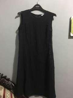 Dress black (tanpa lengan)
