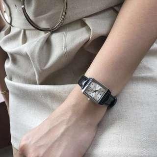 🚚 韓國連線款 casio皮質方形錶 黑