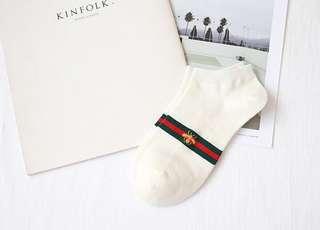 🚚 白色小蜜蜂襪🐝兩雙