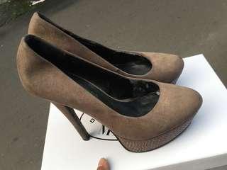 Sepatu Aldo