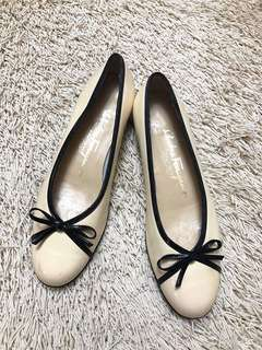 Authentic SALVATORE FERRAGAMO Flats