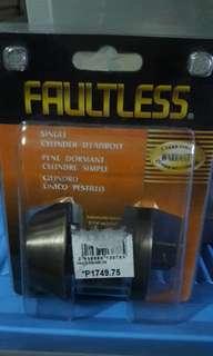 FAULTLESS Single Cylinder Deadbolt Door knob