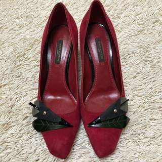 Authentic LOUIS VUITTON Paris Suede Pumps Heels Shoes with Embellishment