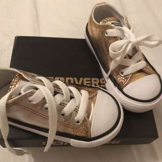 Converse metallic AS NEW size 5 toddler gold silver kids shoes