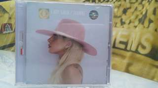 Lady Gaga - Joanne (Universal Music Indonesia)
