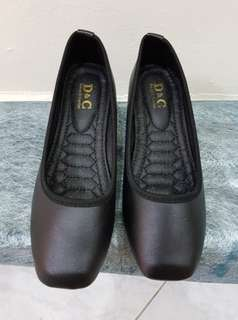 New Comfy Ladies Black Covered Shoes