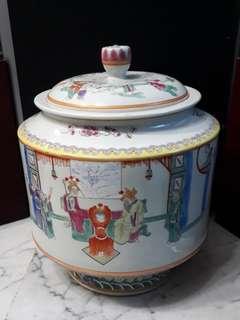 (offer item $600) Old Porcelain Container 27cm hightx23cm width清粉彩陶瓷矸