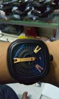 Jam tangan sevenfriday