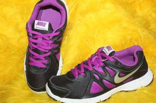 FREE SHIPPING AUTHETIC NIKE SHOES