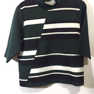 Basic Turtle Neck Green top