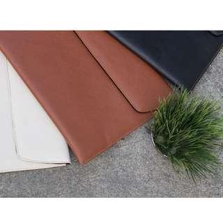 VersaCase's UltraSleeve Slim (Leather Laptop Case)