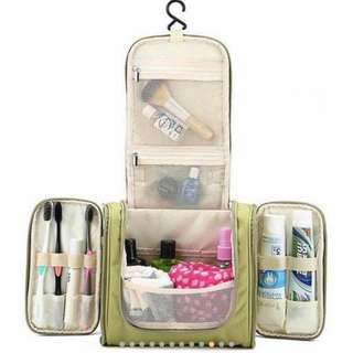 TOILETRY TRAVEL ORGANIZER