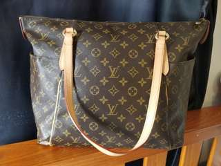 Louis Vuitton totally GM