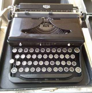 BUYING PO AQ ALL KINDSBOF TYPEWRITER