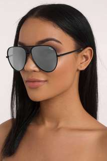 QUAY ICONIC SUNGLASSES