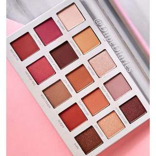 BEAUTY CREATIONS Irresistable Eye Shadow Palette