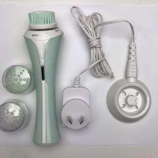 Remington facial cleaning brush