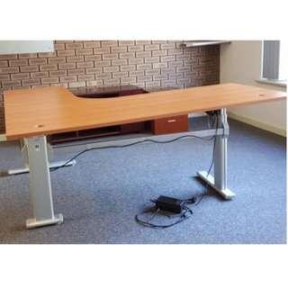 L-shape Electric Adjustable Height Sit Stand Workstation/Desk