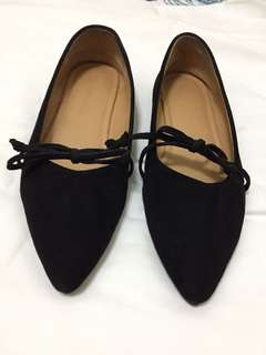 Black Point Suede Shoes