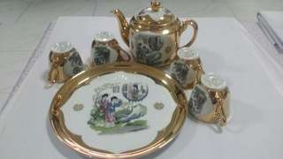Porcelain wedding tea set