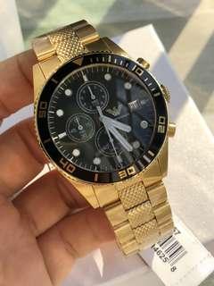 原裝阿瑪尼(ARMANI)運動手錶 石英表運動時尚男士表。 (黑盤AR5855)(黃金色AR5857)錶盤直徑43mm,,(一表一碼)簡約華麗錶盤:精美華麗做工,盡顯高端品質👍,錶盤乾淨不失優雅,盡顯尊貴身份👊,原裝日本進口機芯走時精準,讓你更好把握生活的每一分每一秒。