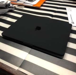 🚚 MacBook Pro with Touchbar hard casing