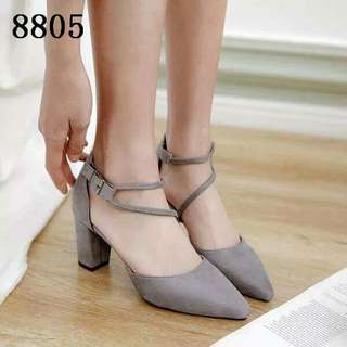 Heels with side lock