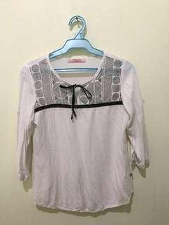 3/4 white blouse