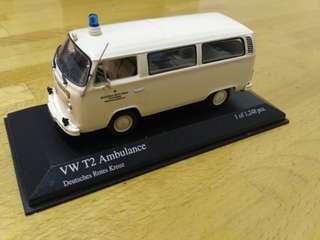 1:43 VW T2 Krankenwagen DRK 1972 400053090 von Minichamps