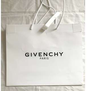 Givenchy white medium size shopping bag 名牌購物紙袋