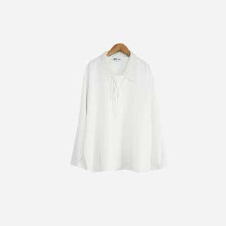 🚚 脫臼古著 / 蕾絲刺繡綁帶襯衫 no.677 vintage