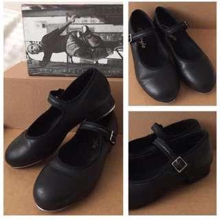 BLACK LEATHER CAPEZIO Tap Shoes (Girls 4) - (Women's 5 1/2)