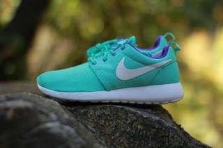 Nike Roshe Run Hyper Turquoise