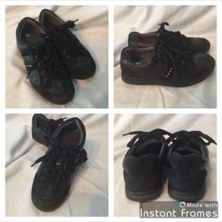 (Size 34 -- 2.5) Black ECCO Leather Running Shoes