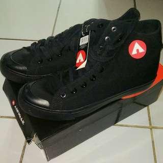 Airwalk Basic Canvas Hi Shoes (Mono Black)