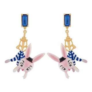 (包平郵)🈹💥🈹💥 日系 遊樂園感覺 抓娃娃 藍寶石 條紋 可愛兔子 耳環 ear ring