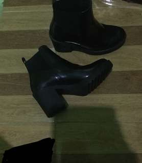 Boots from H&M DIVIDED size 6