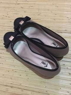 Fioni Sepatu cewek