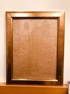 🚚 【ikea買的】金光閃閃相框乙個(可容納最大:40.3*30.3cm的相紙
