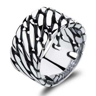 《 QBOX 》FASHION 飾品【R100N466】精緻個性粗曠環鎖扣鈦鋼戒指/戒環