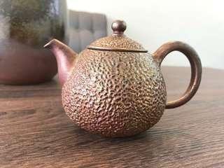 🚚 柴燒茶壺 手拉 金銀彩