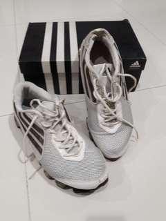 sepatu adidas size 44