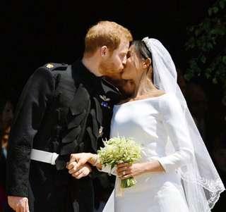 🚚 英國皇宮婚紗 世紀禮服歐美婚紗 綢緞面白紗 手工婚紗