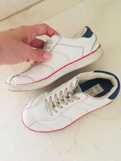 (Preloved) Zara boy shoes slip on size 28/29