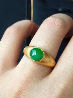 GZ-36今日感恩回饋特價¥6600 不議退 正陽綠蛋面戒指 超美 超精緻哈 綠油油滴 時尚靚麗款 完美無紋裂