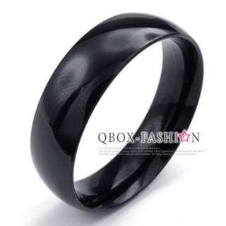 《 QBOX 》FASHION 飾品【R10022928】精緻個性粗版素面黑色鈦鋼戒指/戒環(0.6cm)