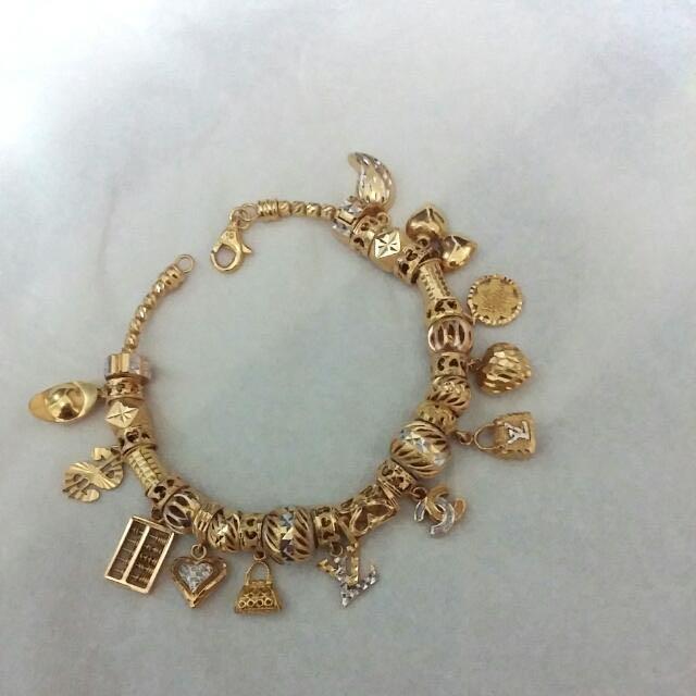 682559bd5 916 Gold Pandora Charms - 非卖品 - NFS, Women's Fashion on Carousell