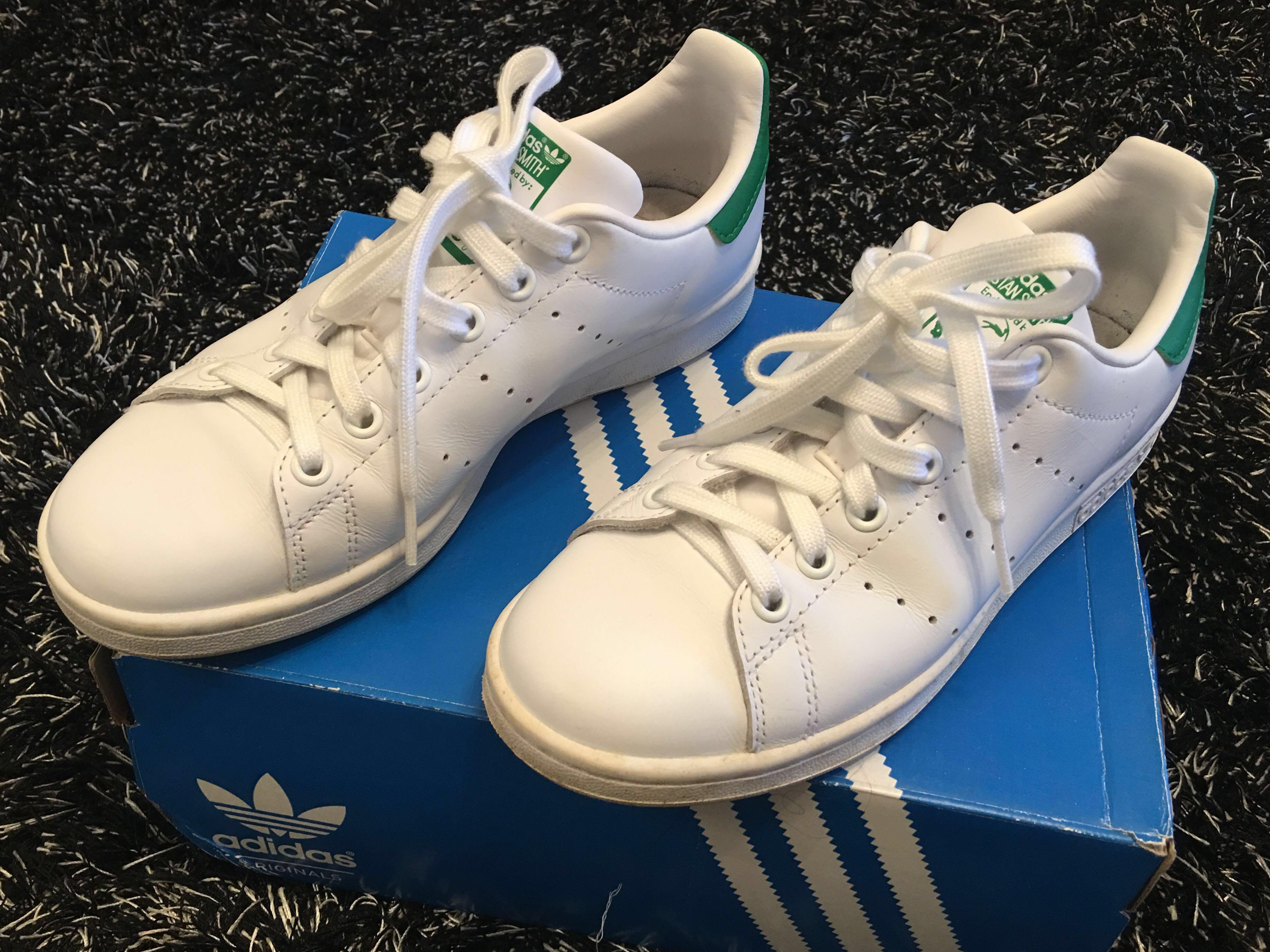 best service 8fd61 ba27d 💯% Authentic Adidas Stan Smith Green (Size-US 5), Women's ...