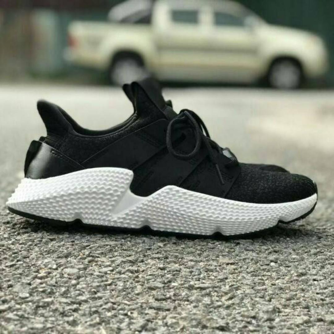1d7592d4ba7 Adidas Prophere Black White