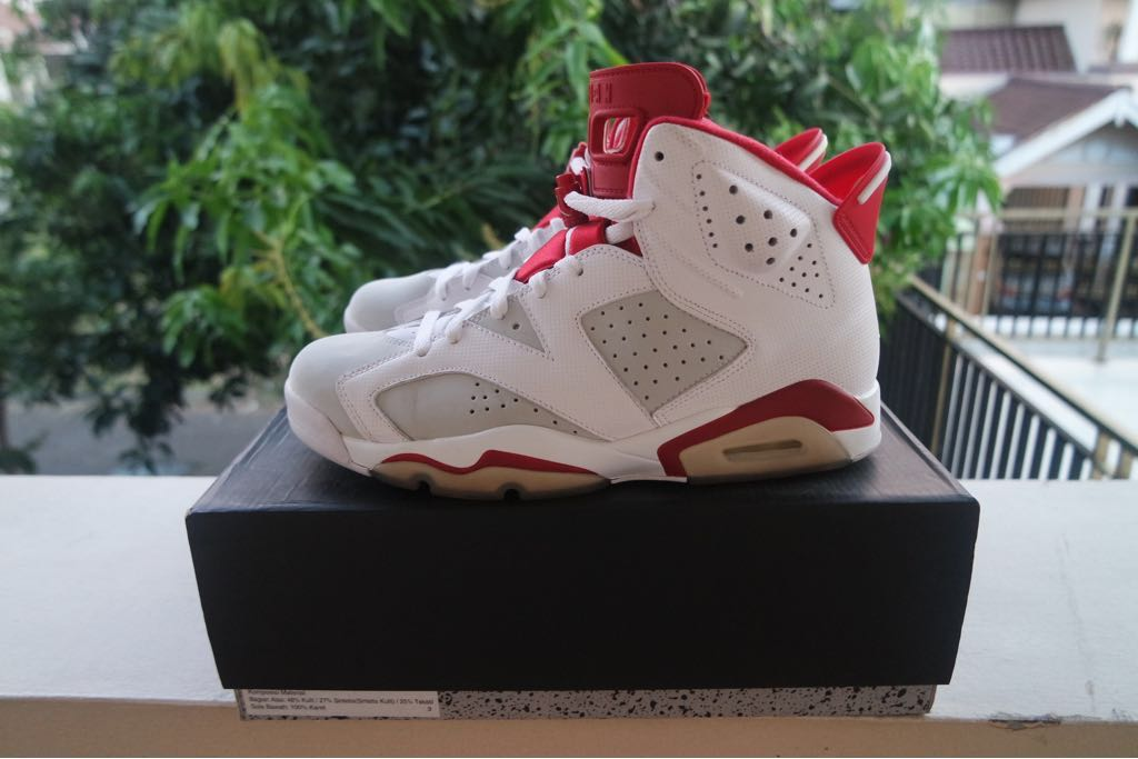 e2b4691532f Air Jordan 6 Alternate, Men's Fashion, Men's Footwear on Carousell